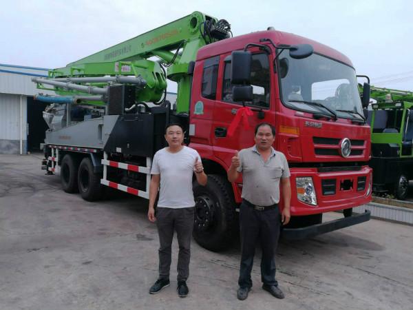 浙江温州林老板喜提鹏翔重工33米6×4搅拌天泵一台
